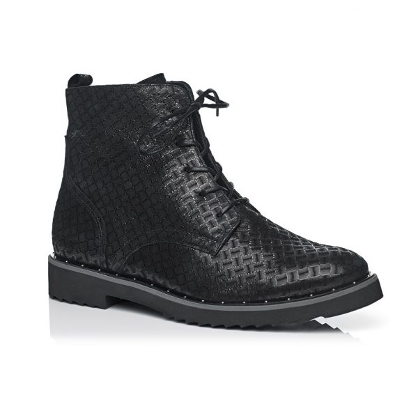 Buy shoes online on sale , very comfort shoes