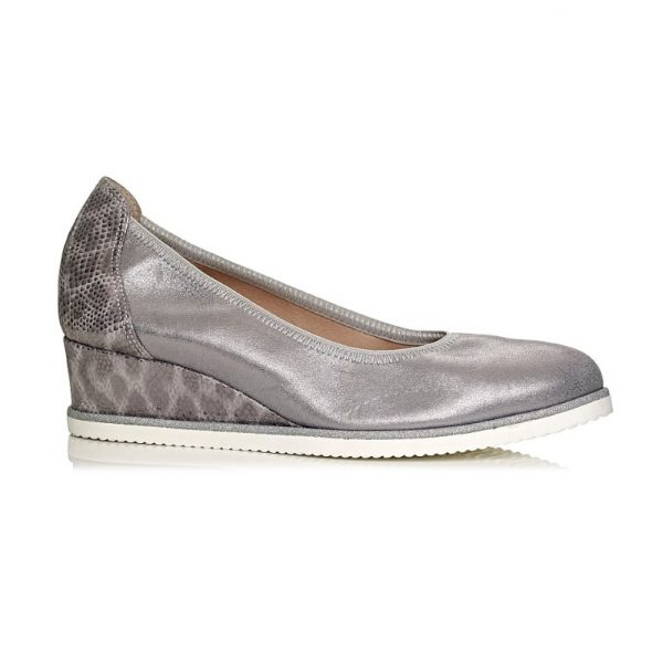 wedge pump by softwaves in silver leather and snake with elastic on the topline