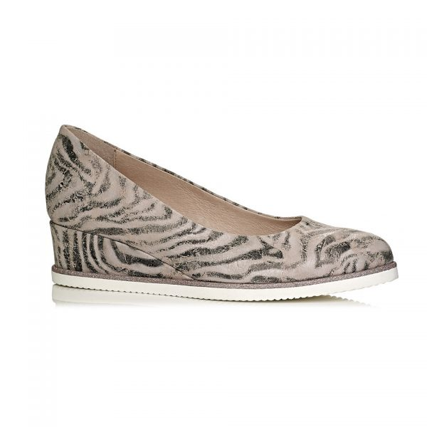 Buy online wedge shoes vrey comfort and extra light in nude tiger pattern