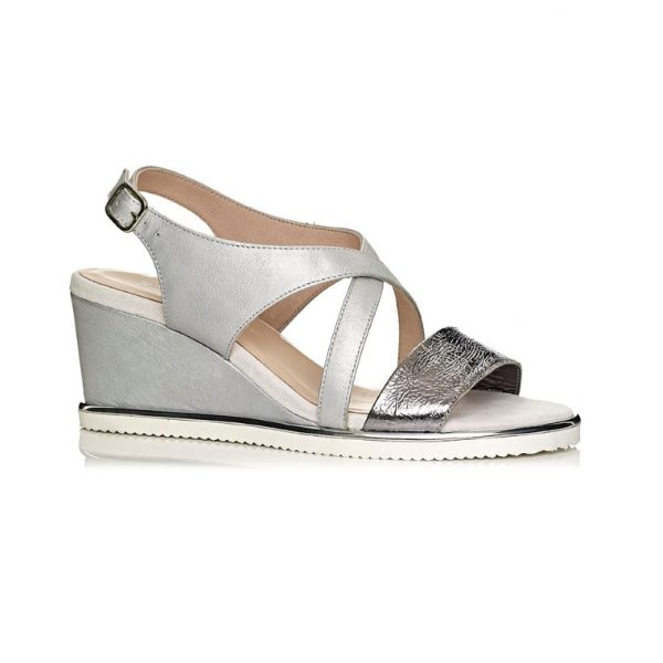 wedge sandal in silver very comfort and light