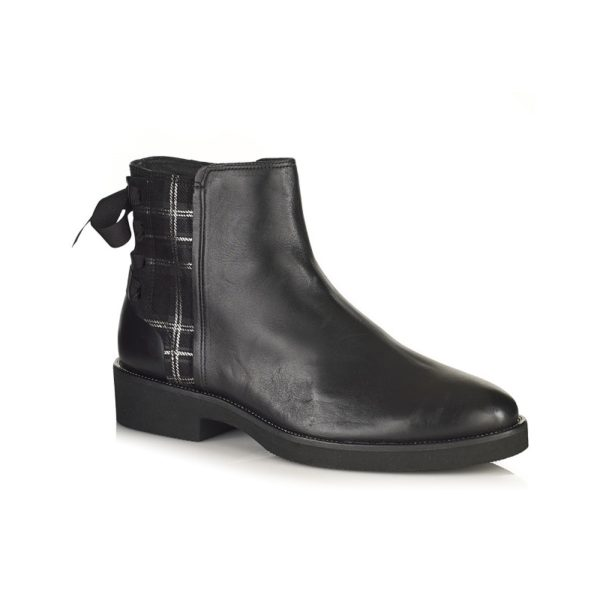 WOMAN FLAT ANKLE BOOTS IN BLACK VERY COMFORT AND LIGHT
