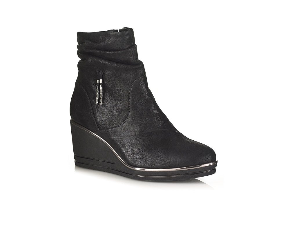 WEDGE ANKLE BOOT IN BLACK, VERY LIGHT AND COMFORT