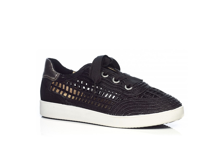 Raffia Sneaker in Black