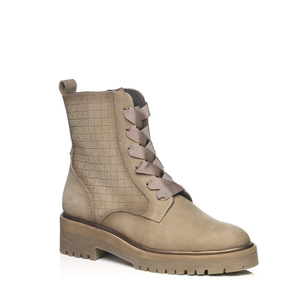 SOFTWAVES FLAT BOOTS IN NOBUCK CREME WITH LACES, VERY LIGTH AND SOFT