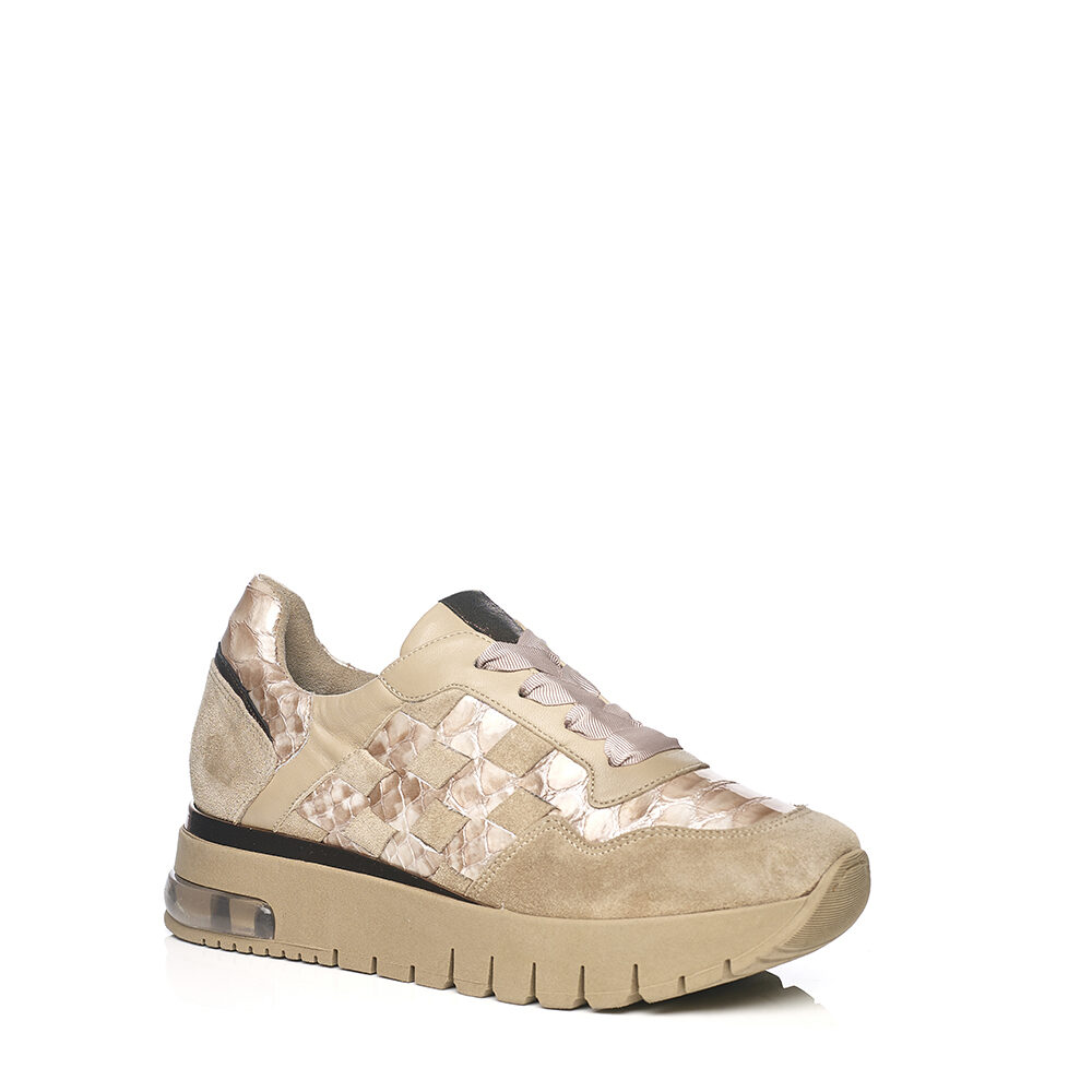 SOFTWAVES WEDGE SNEAKERS WITH PACTHWORK IN CREME