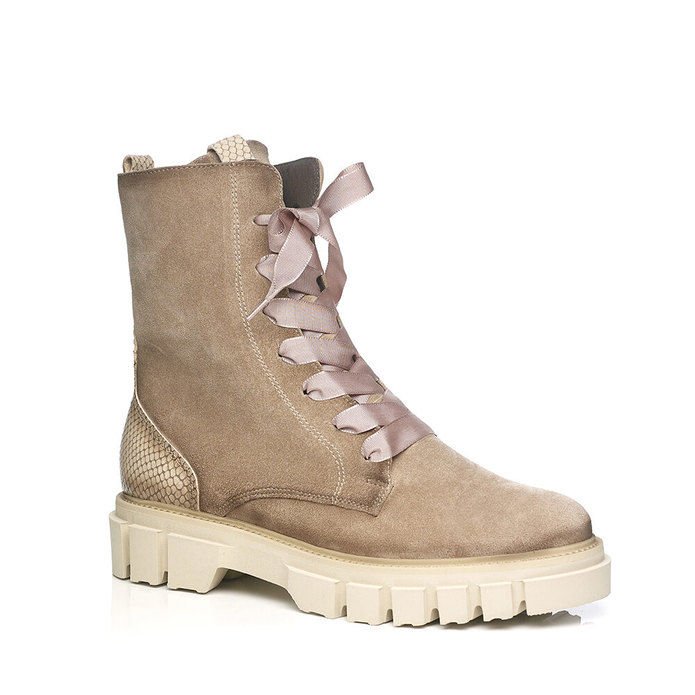 SOFTWAVES BOOTS IN CREME VERY LIGHT AND SOFT
