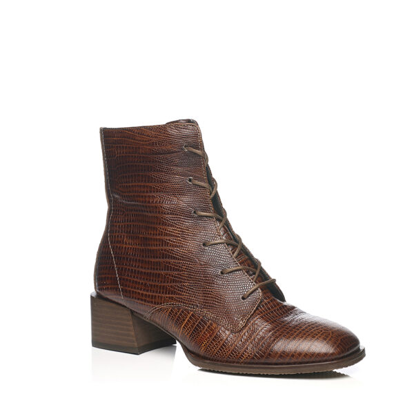 Heel boot with laces in croco patern cognac